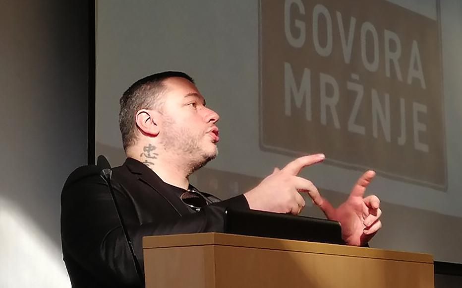 Alex Bibanovic giving a presentation to students in BiH about the dangers of hate speech.