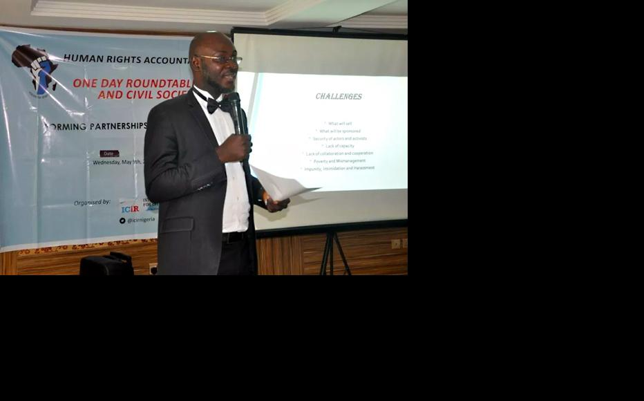 Tochukwu Ohazuruike during his presentation at the first roundtable. (Photo: ICIR)