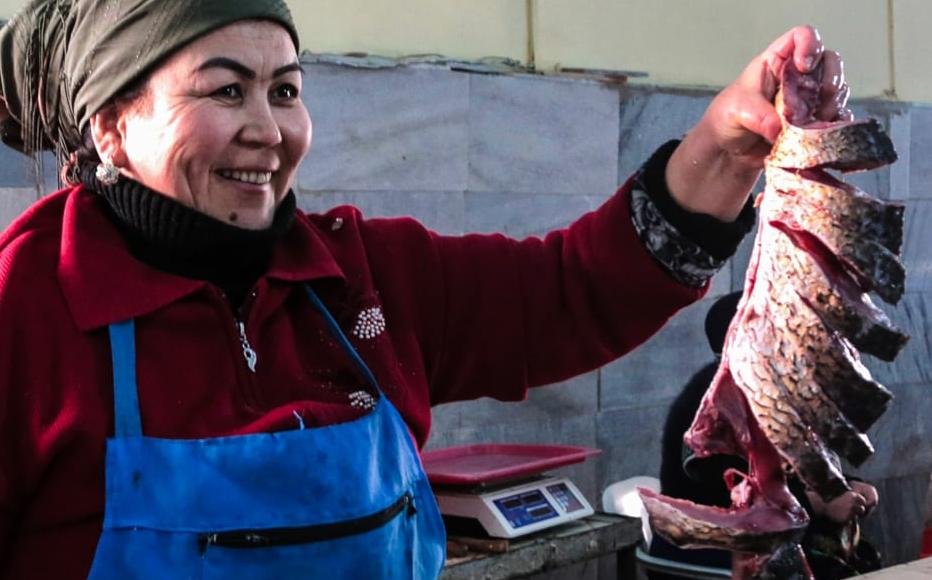 Mamlakat sells fish from Chinaz in the Tashkent region, which together with chicken is now seen as an affordable source of protein. Beef and lamb cost too much. She said she earns well, but has to save for the summer months when people don't buy fish.