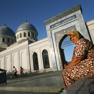 An Uzbek woman outside the Juma Mosque on August 16, 2006 in Tashkent in the central Asian country of Uzbekistan.