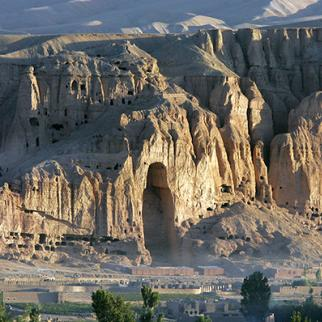 An alcove, which used to contain a giant Buddah, lies empty in Bamiyan, Afghanistan. (Photo: John Moore/Getty Images)