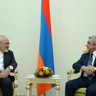 Armenian president Serzh Sargsyan (right) with Iranian foreign minister Mohammad Javad Zarif. (Photo: Armenian president's website)
