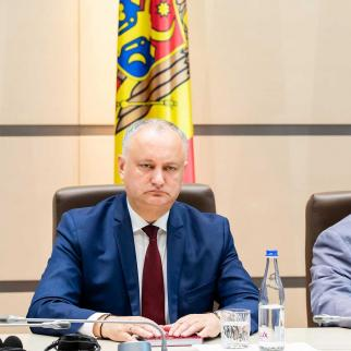 Igor Dodon, the leader of the Socialist Party, and Vladimir Voronin, the leader of the Communist Party.