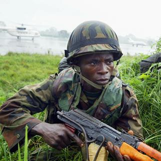 Nigerian soldiers. (Photo: Chris Hondros/Getty Images)