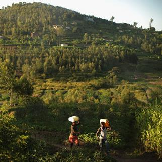 People transport goods in the Rwandan countryside. (Photo: Chip Somodevilla/Getty Images)